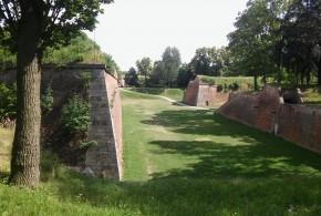 Pevnosti Josefov a Dobrošov